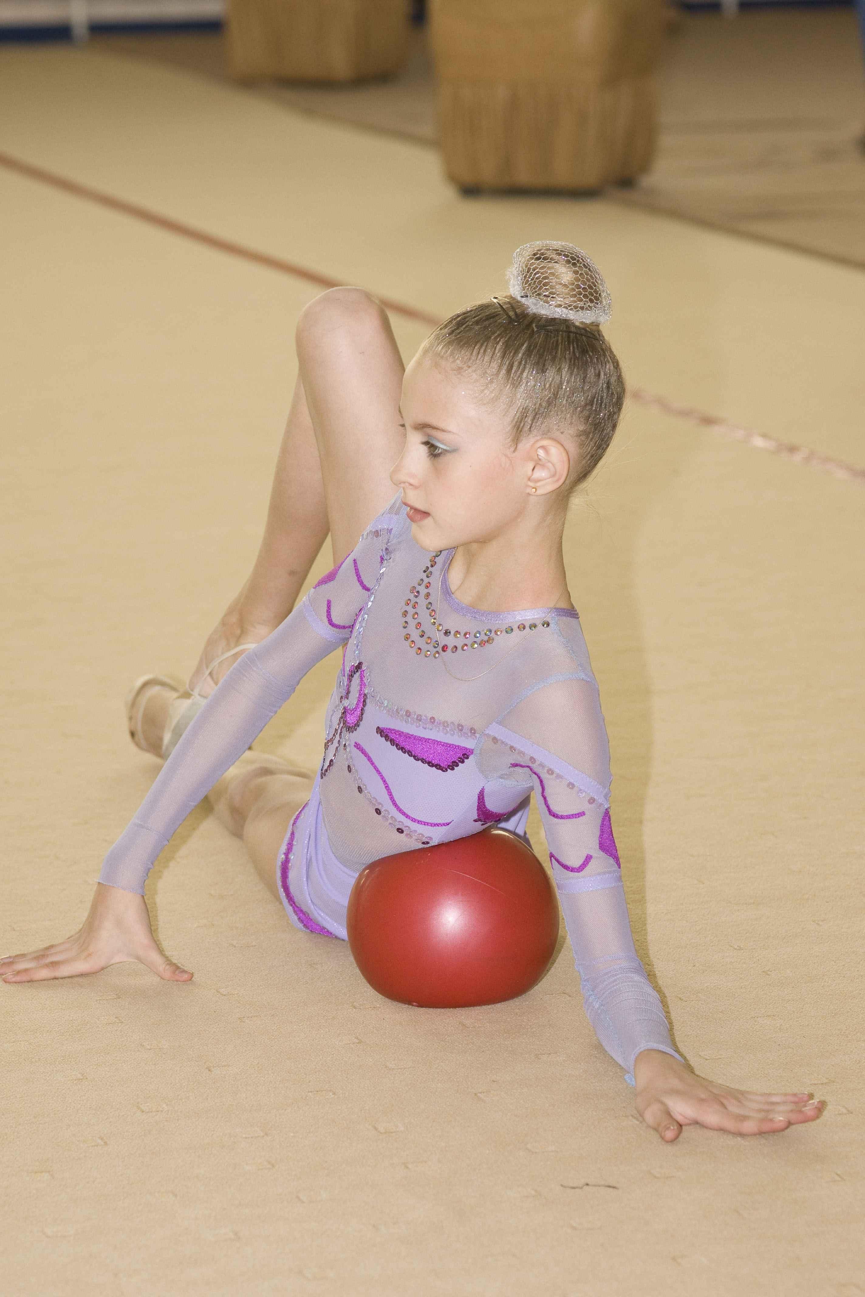 Какие качества развивают дети в художественной гимнастике 625