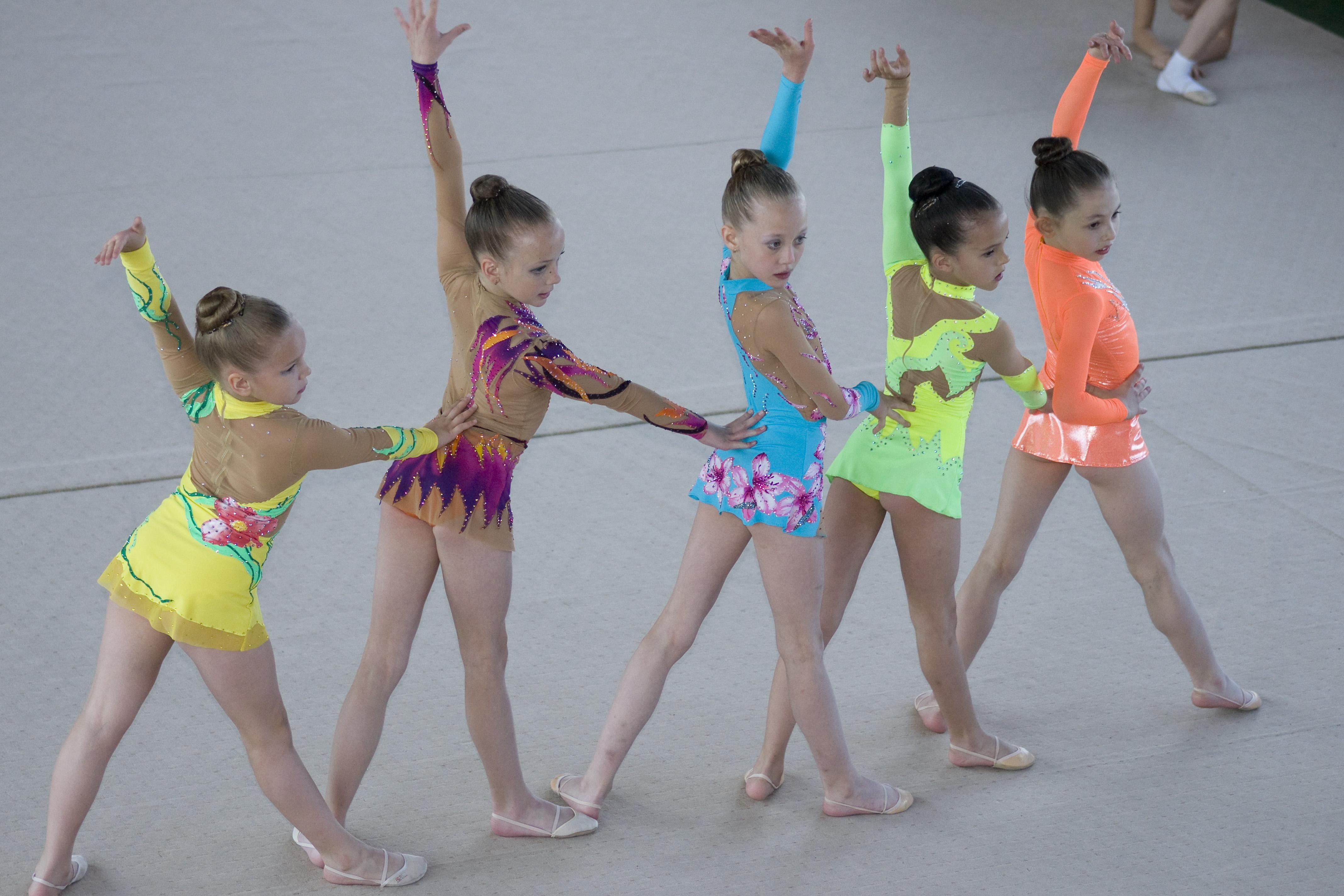 Что такое художественная гимнастика для детей фото